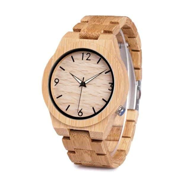 Montre uni avec un bracelet en bois