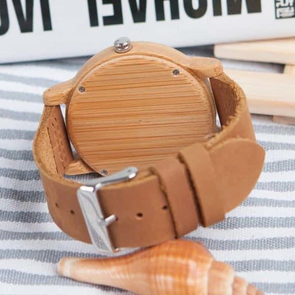 Montre uni en bois avec bracelet en cuir