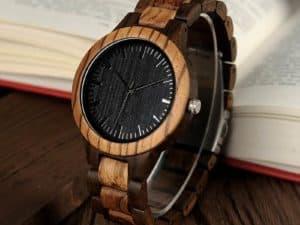 Montre à Quartz uni Homme et Femme – Bois d'ébène foncé – Bracelet en bois – Sapin